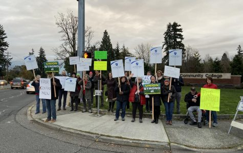 Edmonds Community College faculty picket for fair wages.
